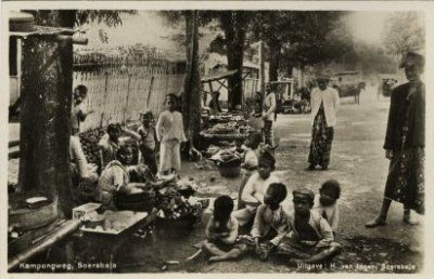 """Kampongweg, Soerabaja"" Circa 1910 (Collections KITLV)"