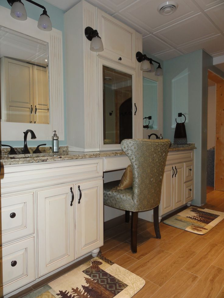 Double sink vanities with make up vanity antique white for White bathroom cabinets with bronze hardware