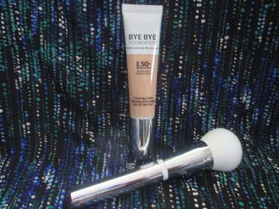 Whats Inside Your Beauty Bag?: It Cosmetics Bye Bye Foundation Full Coverage Mois...