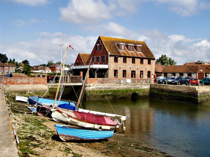 The town I spent about five years in a Christian College. I remember taking walks along the harbor and passing this big stoney house. During the summer there was a truck selling refreshment and ice cream. Emsworth, England