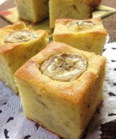 準備10分!お店のバナナケーキPart❷ // 60g butter, 60g sugar, 2 eggs, 2 to 3 banana, 100g flour, 5g baking powder, 40g almond powder