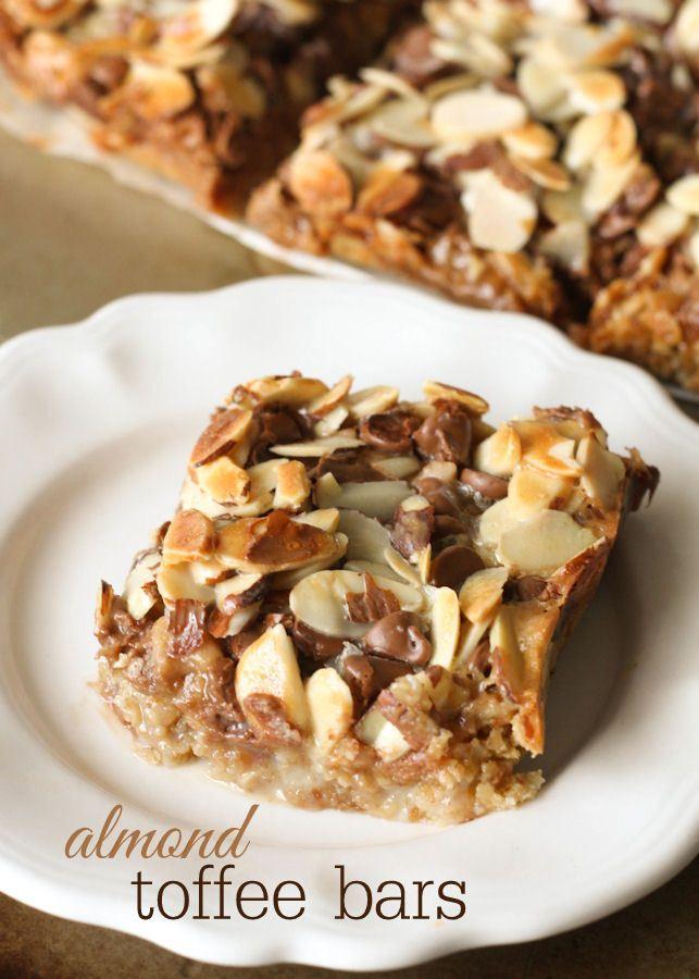 Almond Toffee Bars recipe - so delicious and easy to make! { lilluna.com }
