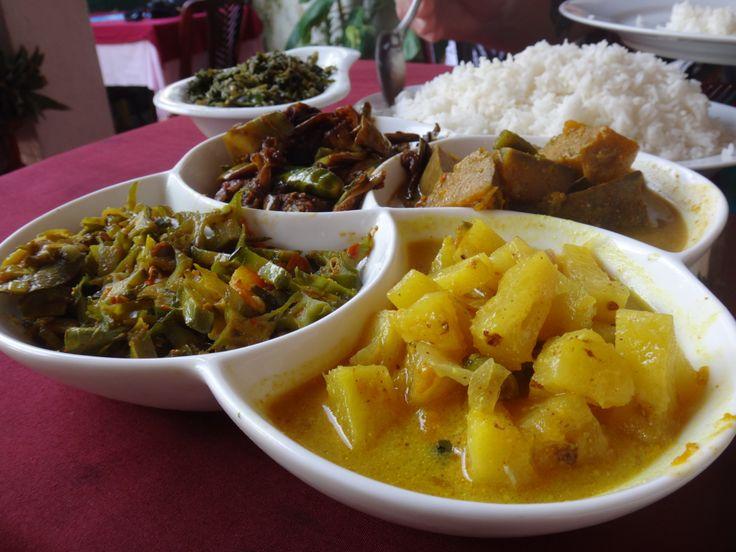 #Food was soooo good in #SriLanka #Curries YUM! #2014 #Travel #Women