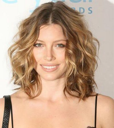 Jessica Biel's natural curl medium cut  The Most Requested Haircuts Of 2014 • Page 4 of 5 • BoredBug