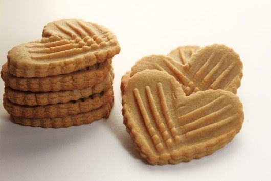 crispy peanut butter cookie hearts