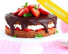 Mansikka-suklaakakku by Suklaapossu hurmasi Blogiringin kampanjassa. www.vuohelanherkku.fi/reseptit/mansikka-suklaakakku #gluteeniton #vuohelanherkku #resepti