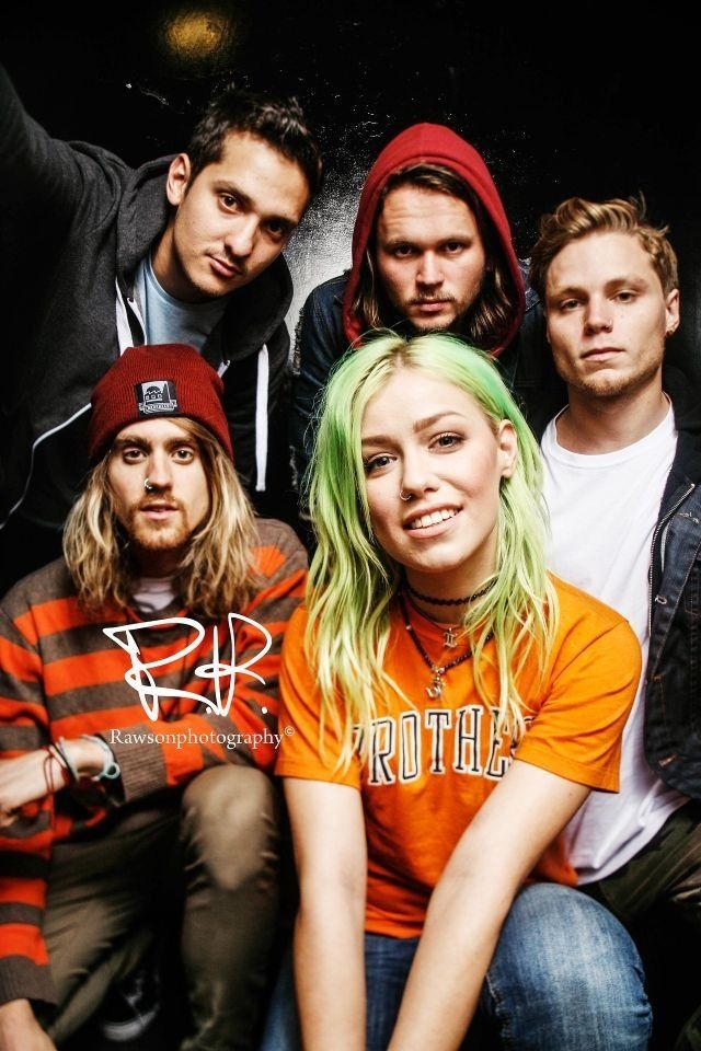 Tonight Alive // 50/50 chance of seeing them on fridayyyyy :D