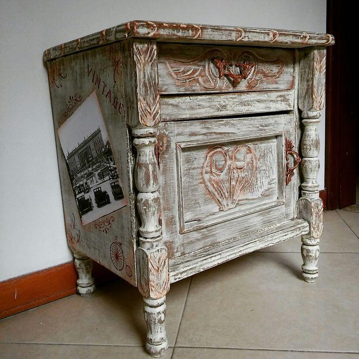 Mesita restaurada - Arte Vintage