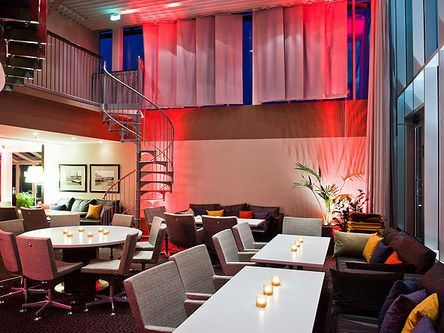 Evening atmosphere in Katto lounge