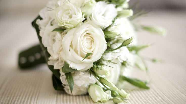 Lisianthus wedding bouquet