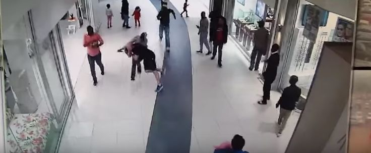 Watch: Man tackles thief to the ground in Northgate shopping mall [video] Jacques Erasmus says he was having a very frustrating day and took all his anger out on the suspected crook. The CCTV footage was posted by Netwerk24. http://www.thesouthafrican.com/watch-man-tackles-thief-to-the-ground-in-northgate-shopping-mall-video/