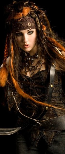 Best 25+ Pirate hairstyles ideas on Pinterest | Pirate makeup ...