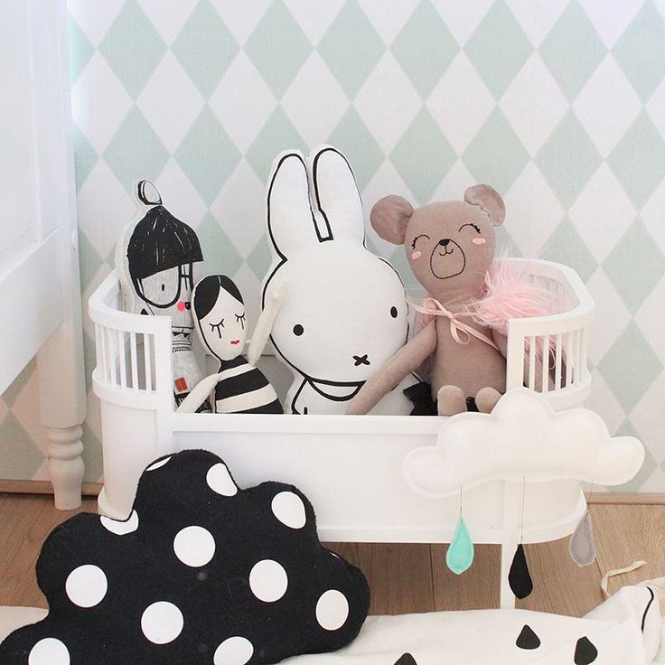 Kinderkamerinspiratie  -  love the cloud cushion ikea style