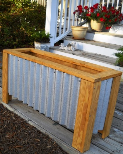 my planter box tutorial from a few years back. need to make more!!!