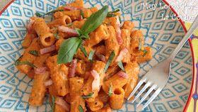 Twittear Linguine con una deliciosa salsa cremosa que mezcla el sabor de los pimientos asados con el queso de cabra. Un r...