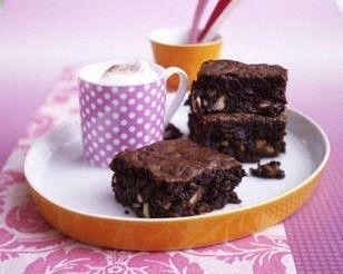 Das Rezept für Promi: Easy Chocolate and courgette brownies (Schokoladen-Zucchini Brownies) und weitere kostenlose Rezepte auf LECKER.de