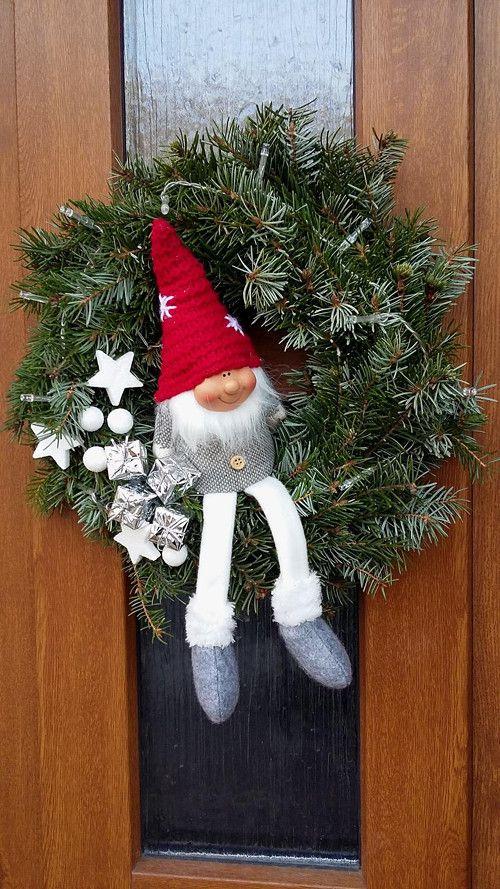 Kdopak donese dárky?!.. Věnec na dveře svítící