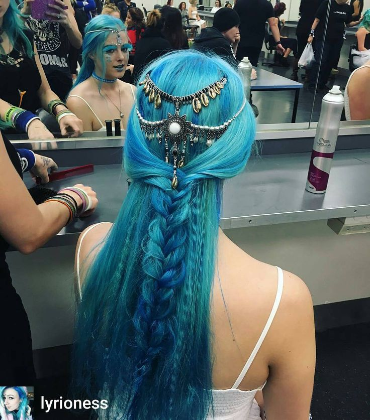 Absolutely in  with the master piece of colour and braids by @lyrioness  @Regram from @lyrioness -  Getting creative with @unicorndownarabbithole .did this in 20 minutes in break down mode. I'm capable of anything . . . . . #braids #bluehair #hippie #hippiehair #boho #bohohair #coloredhair #unicorntribe #mermaidians @mermaidians #hairpiercingstattoosfeat #hair