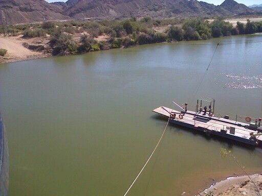 The pont between South African and Namibian border. - Sendelingsdrif.