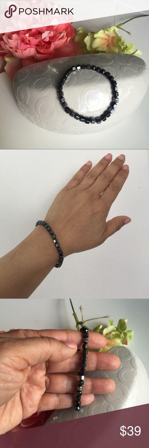💙Onyx crystal bracelet💙NWOT 💙Onyx crystal bracelet💙beautiful bracelet is magnetized and has a stretch. Jewelry Bracelets