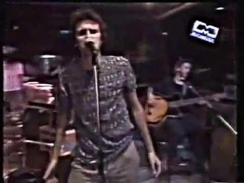 """Los Piojos - """"Ando ganas"""" (acustico en Much Music '94) - Letra"""