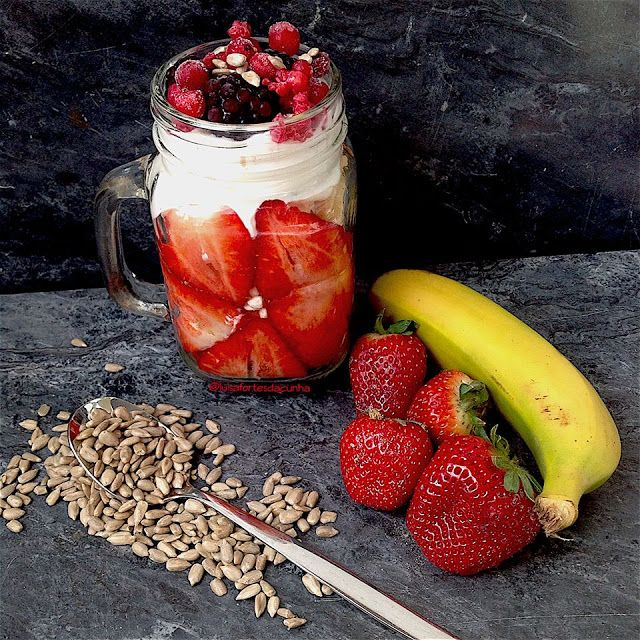 My Casual Brunch: Parfait de morango e banana
