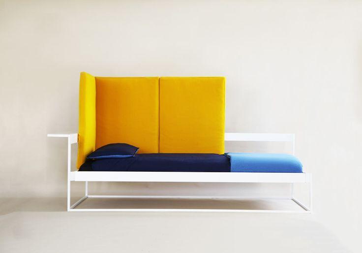 Récemment diplômée du Royal College of Art, Andrea Pallarès, explore l'idée de mobilier flexible pour la vie urbaine. Avec le coût de la vie toujours à la hausse, les gens réduisent de plus en plus la taille de leur habitation, ce qui signifie qu'il faut souvent compter sur des meubles qui ont un double usage.  Dans cet esprit, Andrea Pallarès a conçu Nook, un meuble tout-en-un qui s'adapte à vos besoins tout au long de la journée. Nook est un cadre de lit sur-mesure qui est livré...