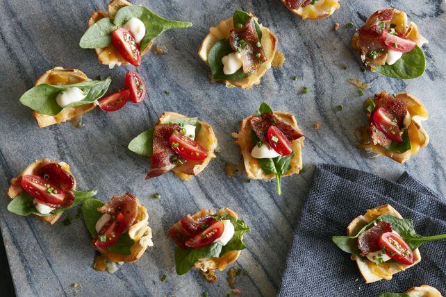 Ces élégantes versions bouchées de ce sandwich classique vous vaudront bien des félicitations. Procurez-vous tous les ingrédients nécessaires pour les préparer lors de votre prochaine réception de dernière minute.