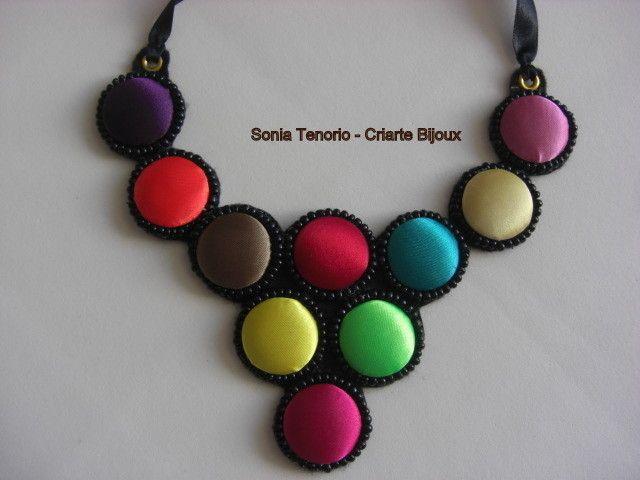 Colar de Botões Coloridos   Sonia Tenorio - Criarte Bijoux   Elo7