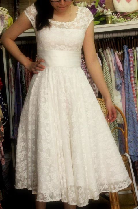 Such a pretty white lace dress - not too dressy, but totally has the potential to elevate with the right accessories. I definitely need to get on the lace dress bandwagon lol.