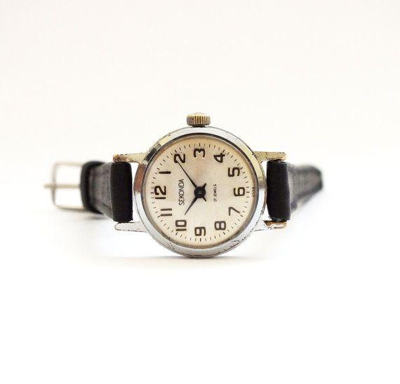 Vintage Russian Lady's Watch SEKONDA small retro watch