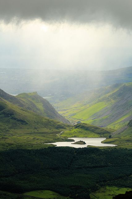 Mountain lake | Flickr, Nant Gwyant, Wales, UK