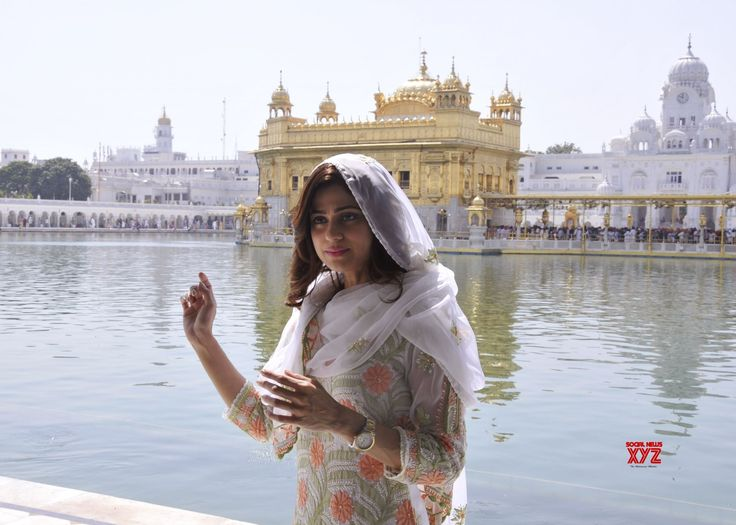 Amritsar: Shamita Shetty visits Golden Temple - Social News XYZ