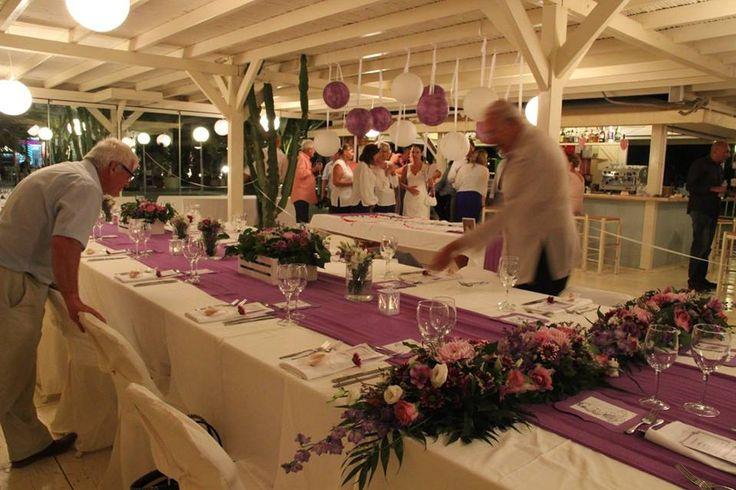 Table styled for the elegant purple #destinationwedding at Picasso Restaurant in Plaka beach #picassoplakalove #greecewedding #purplewedding #naxosweddings