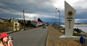 Puerto Natales y el boom culinario .::. Puerto Natales es una pequeña ciudad de 20 mil habitantes fundada en 1911 por inmigrantes escoses y alemanes que venían a exportar carne de cordero y lana hacia Europa. El destino ha experimentado un notable crecimiento gracias al turismo yestá convertido en un interesante polo gastronómico por donde pasan miles de visitantes extranjeros, paso obligado [...]