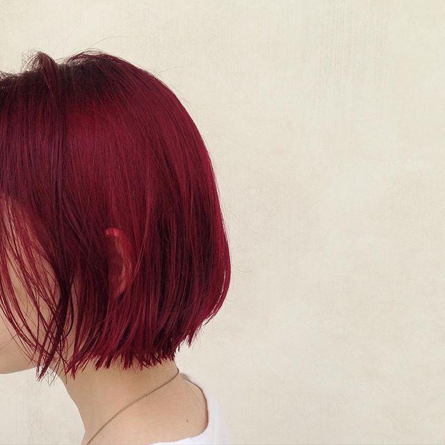 WEBSTA @ umitosnatsuki - ボブ➕レッドチェリー#表参道#hair #haircut #hairstyle #hairfashion #red#マニパニ #ヘアカラー#ヘアカラー#bob #ボブ