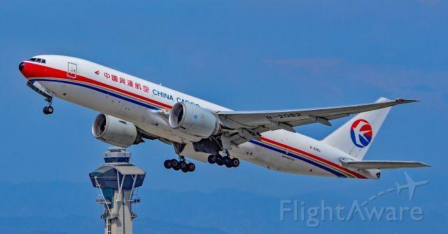 CKK Boeing 777-200LR/F (B-2082)