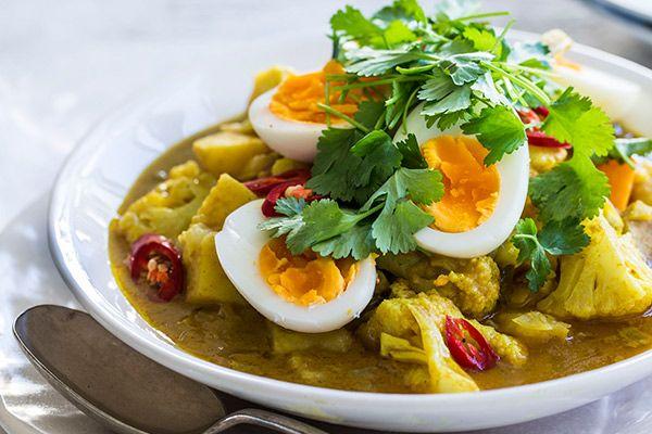 Egg, potato and cauliflower curry – Recipes – Bite