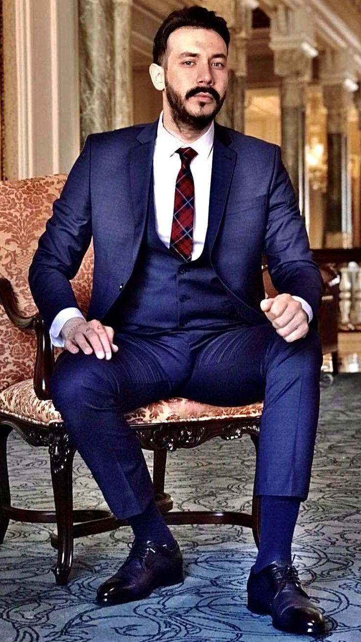 Mens Fashion Suits, Mens Suits, Blue Suit Men, Blue Suits, Herren Style, Hommes Sexy, Men Formal, Suit And Tie, Men's Fashion Styles