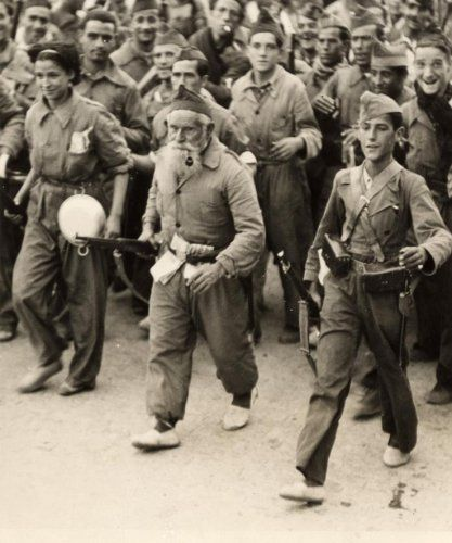 Spain - 1936. - GC - Madrid - marching in espadrilles