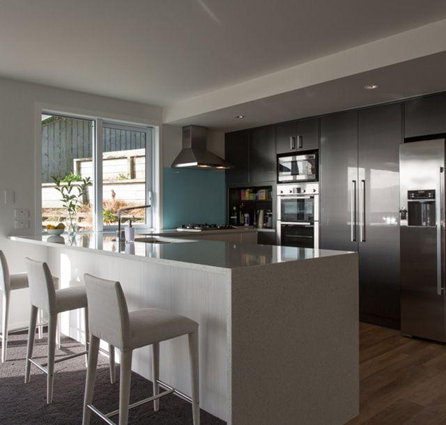 Miramar kitchen by Mackit