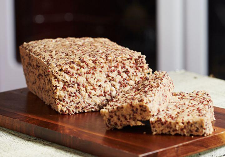 Este pan integral preparado al natural es libre de gluten y además te aporta todos los beneficios de la linaza, la quinoa y la avena.