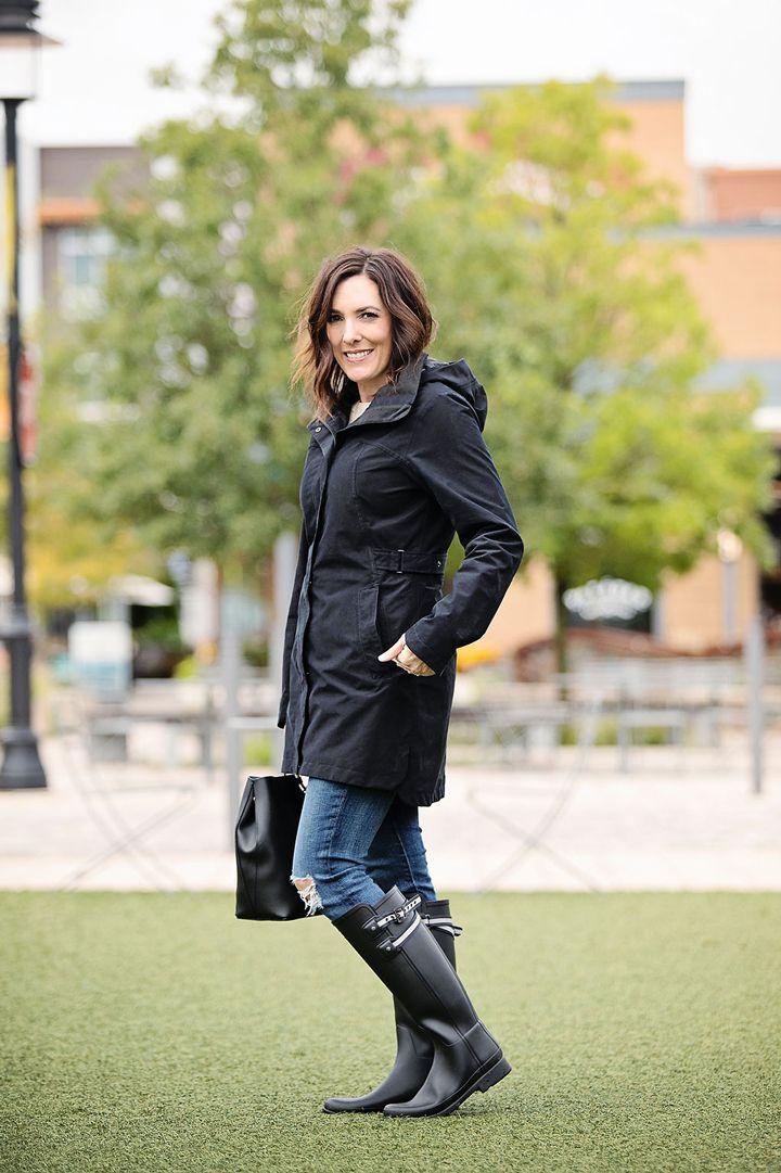 215bd86f2a72 Rainy Day Style  Jo-Lynne Shane wearing Hunter Refined Rain Boots