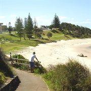 Oxley Beach - Coastal walk Port Macquarie town beach to lighthouse 9km