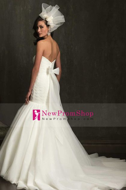2014 Sweetheart Wedding Dress Pleated And Fitted Bodice With Beautiful Tulle Skirt Beaded Sash
