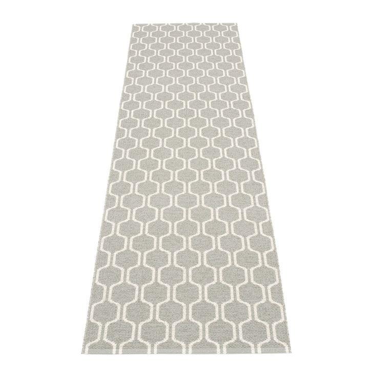 Ants matta, varm grå/vit – Pappelina – Köp online på Rum21.se