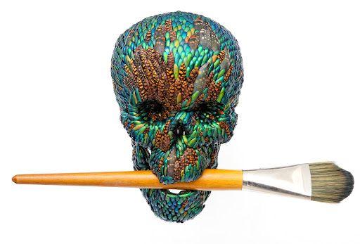 Van Gogh museum: Jan Fabre, Doodshoofd met verfkwast (synthetisch haar), 2015, gemengde techniek, Courtesy Linda & Guy Pieterse