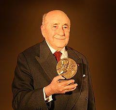 Jerzy Pomianowski jako Laureat VI edycji Nagrody im. Jerzego Giedroycia, 9 listopada 2006