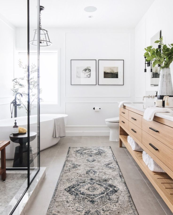 How-to style a powder room or master ensuite. Natural Wood Tones in Master Ensui… – Trautes Heim
