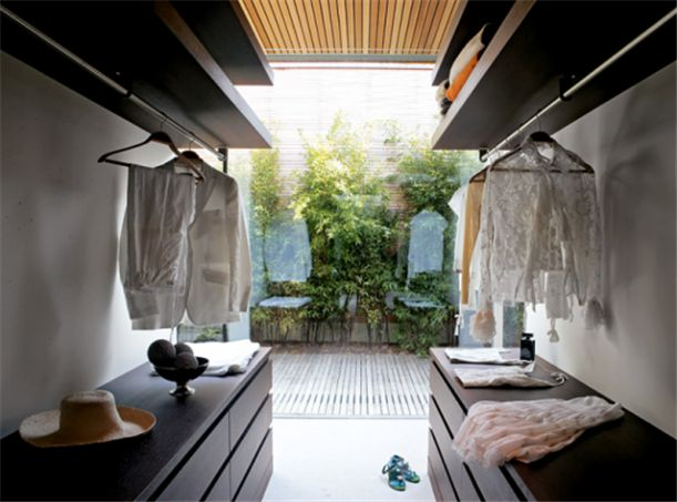 Luxury This glass wall and landscaping is just what I have dreamed of having in my bathroom